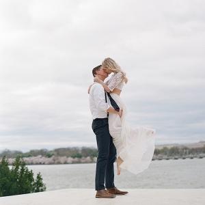 Romantic Wedding Photo Pose