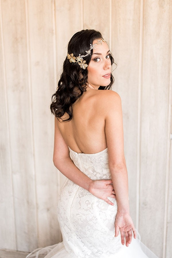 Styling a Modern Bohemian Bridal Headpiece with Loose, Natural Waves