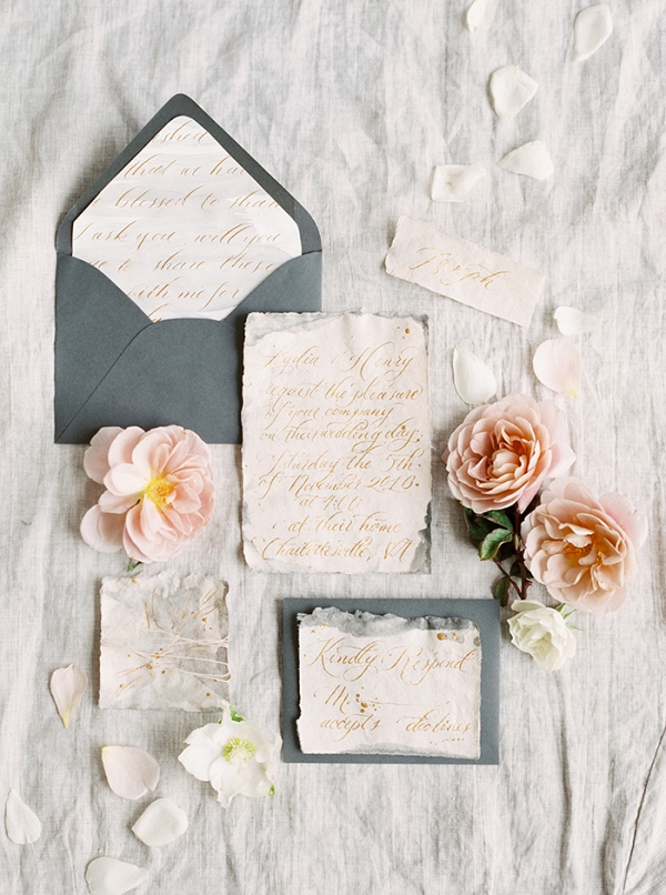 Elegant Gols Script Wedding Invitations