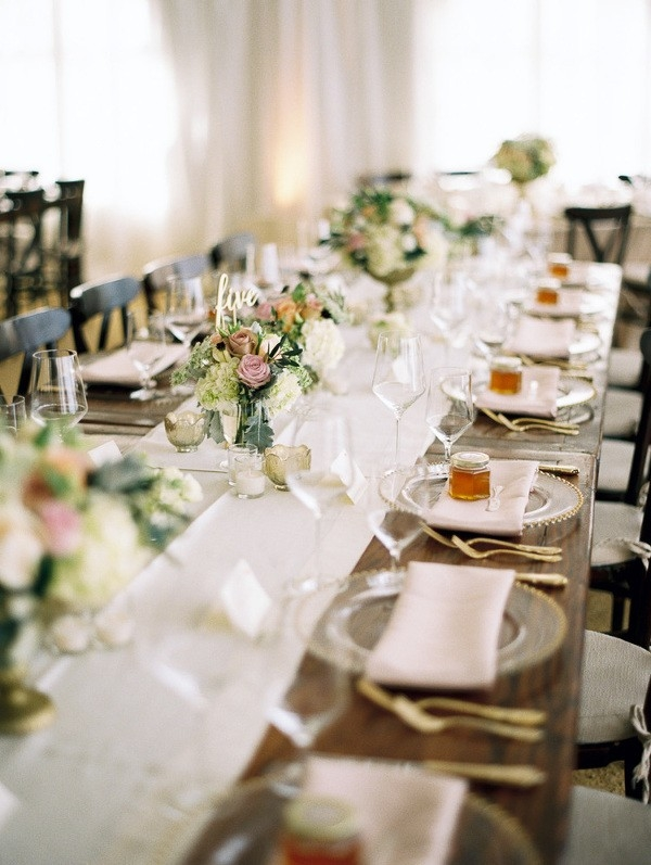 Elegant Rustic Farm Table with Linen Runners and Blush Flowers