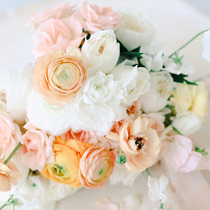 A Peachy Modern Take on the Classic Bridal Shoot 27