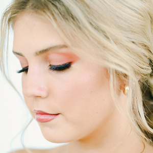 A Peachy Modern Take on the Classic Bridal Shoot 4