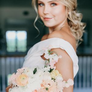 A Peachy Modern Take on the Classic Bridal Shoot 25