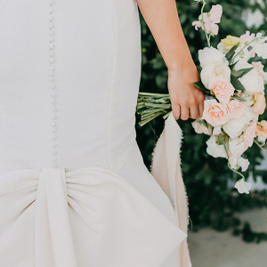 A Peachy Modern Take on the Classic Bridal Shoot 5