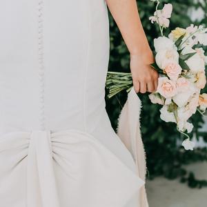 A Peachy Modern Take on the Classic Bridal Shoot 5