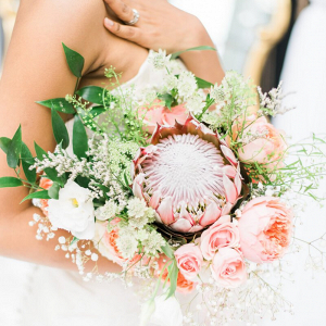 Blush-Gold-Vintage-Wedding-Ideas-Protea-bouquet
