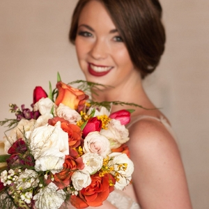 Cherry-Red-Vintage-Bridal-flowers