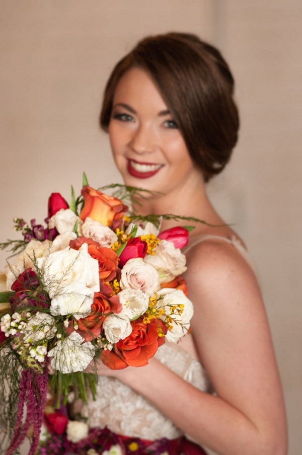 Cherry-Red-Vintage-Bridal-flowers