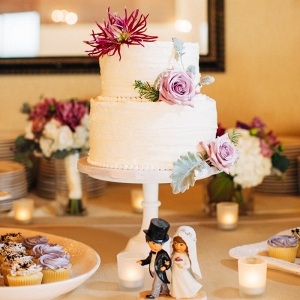 Chic Seattle Waterfront Wedding - Floral cake
