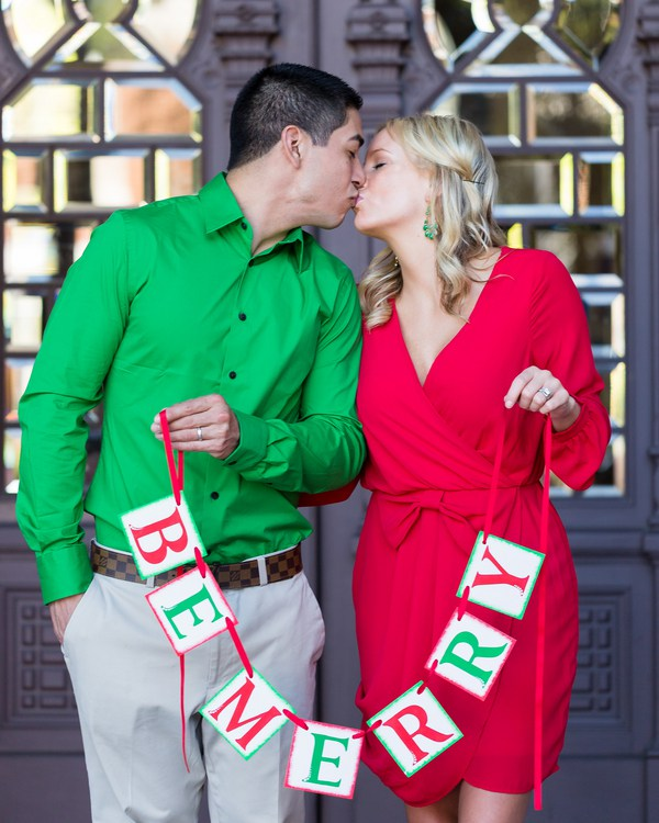 Be Merry - Christmas Engagement Session