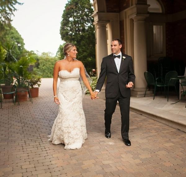 Classic-Baltimore-Wedding-couple
