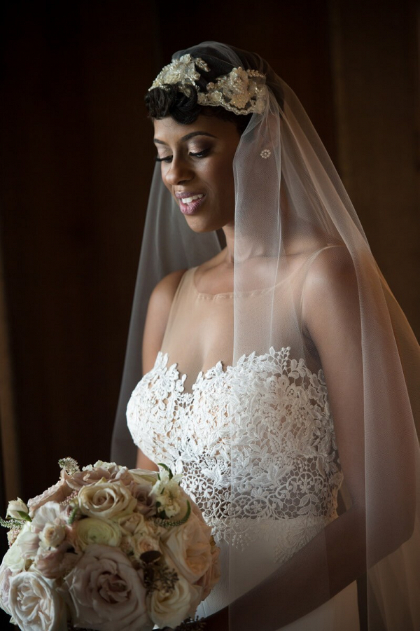 Outdoor-Glam-Alabama-Wedding-Stunning-bride-in-Veil