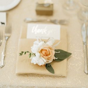 Elegant-Minnesota-Christian-Wedding-place-setting