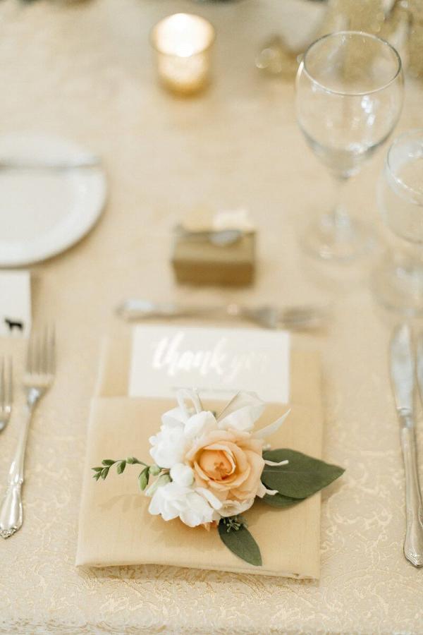 Elegant-Minnesota-Christian-Wedding-place-setting