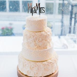 Elegant-Nigerian-Multi-Cultural-Wedding-all-white-wedding-cake