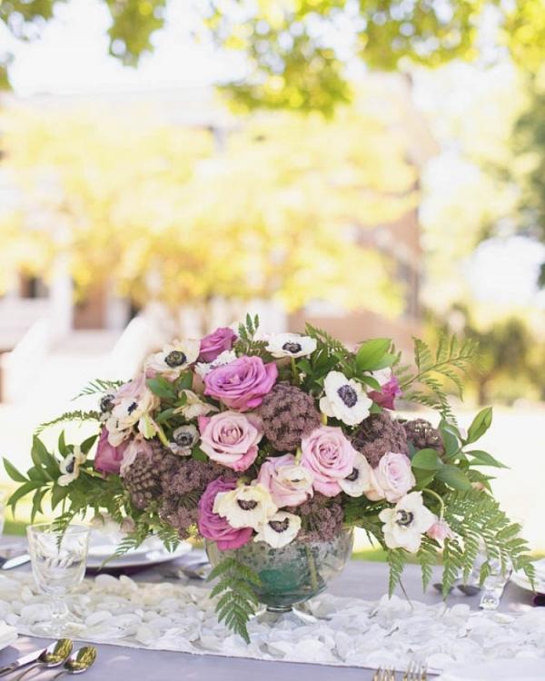 Elegant-Southern-Wedding-Inspiration-flowers