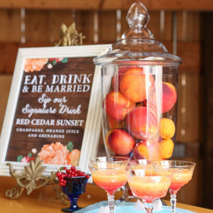 Fall-Barn-Wedding-Inspiration-Red-Orange-Fall-signature-drink