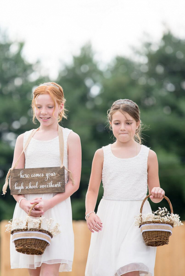 Rustic-Romantic-Outdoor-Wedding-rustic-Flower-girls-with-wooden-sign