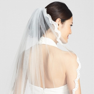 Scallop Lace Border Wedding Veil