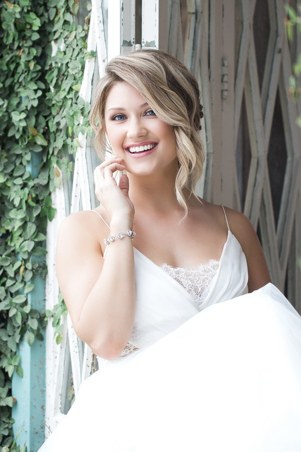 Mid-Summer Romance bridal beauty
