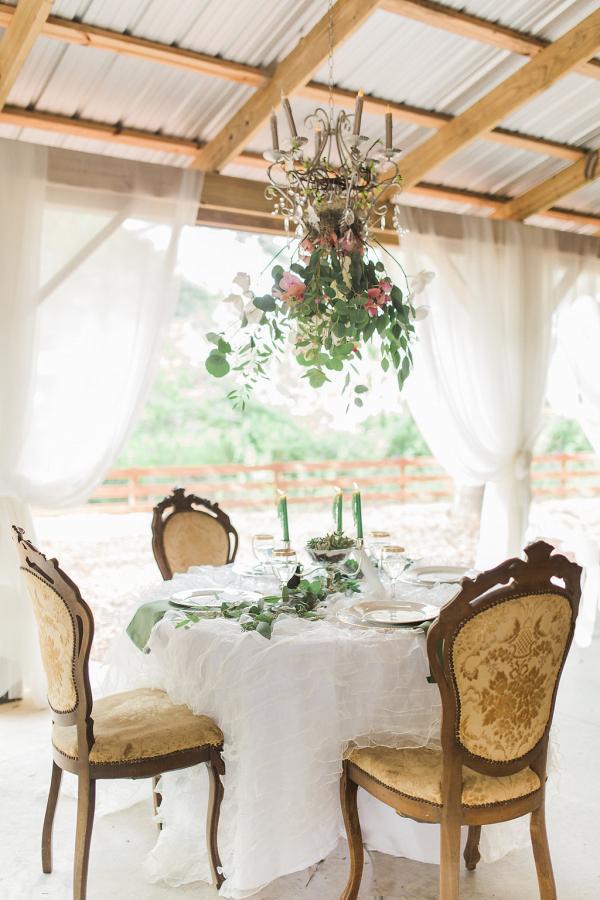 Romantic Chic Bridal Sweetheart table