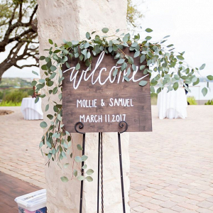 Rustic-Lakeside-Wedding-welcome-sign