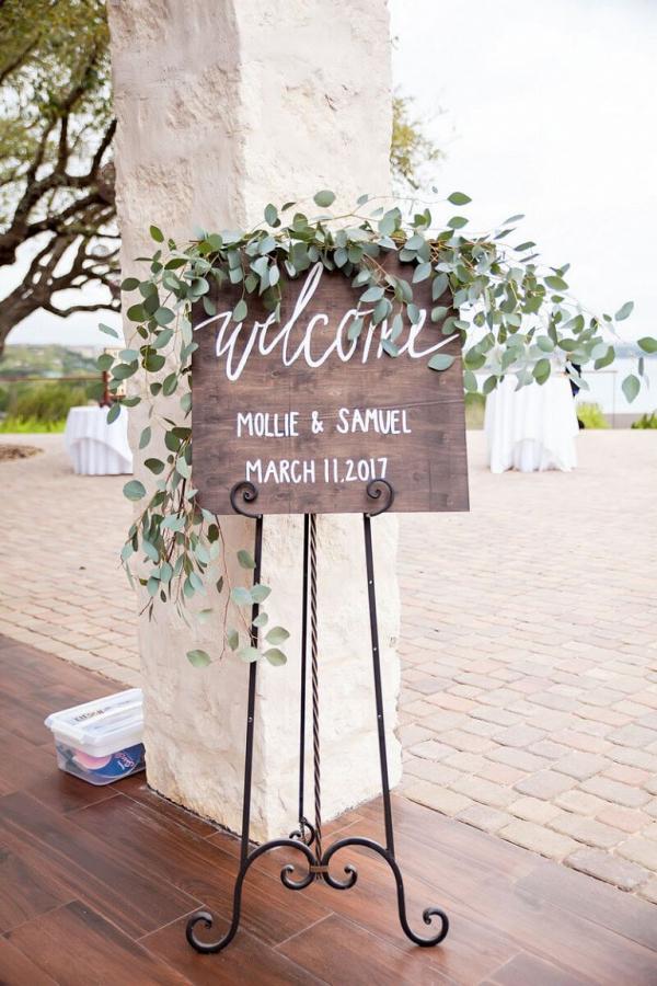 Rustic-Lakeside-Wedding-welcome-sign