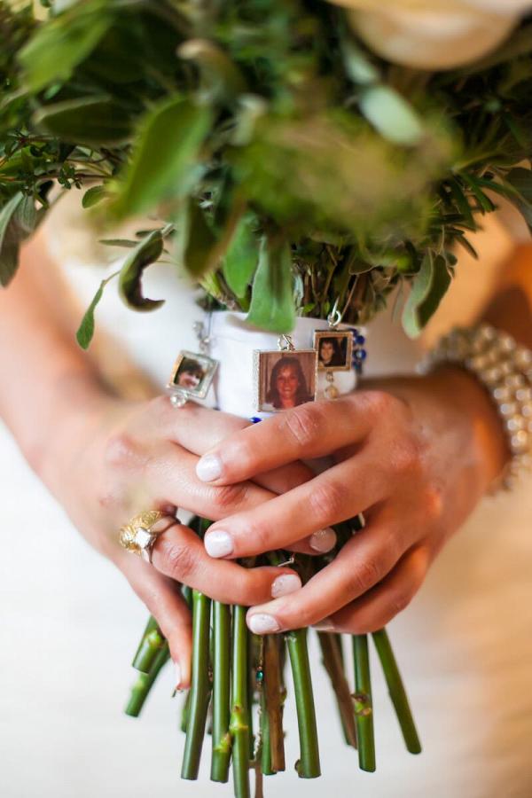 Rustic-Ranch-Texas-Wedding-honoring-deceased-on-bouquet