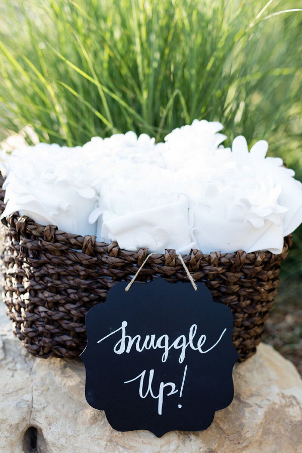 Tuscan-Inspired-Wedding-cool-weather-snuggle-up-blanket-favors