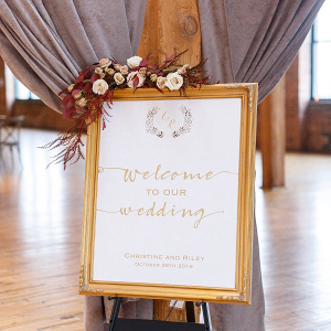 Welcome wedding signage