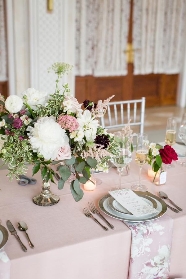 Elegant blush wedding table