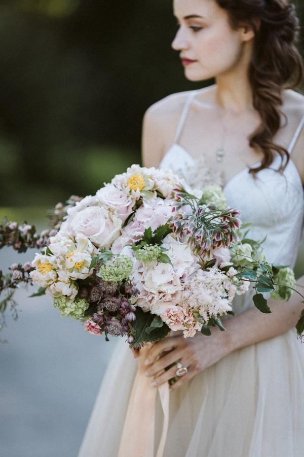 Romantic blush and mauve bridal bouquet