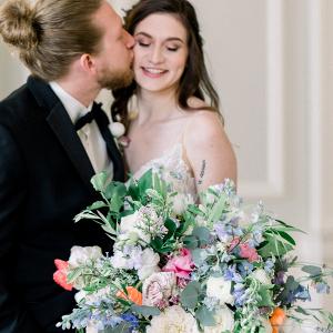 Lush springtime wedding bouquet