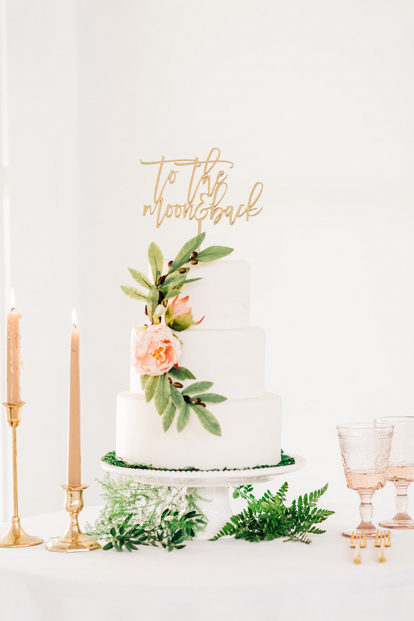 Let's Bee Together - blushing romantic styled shoot