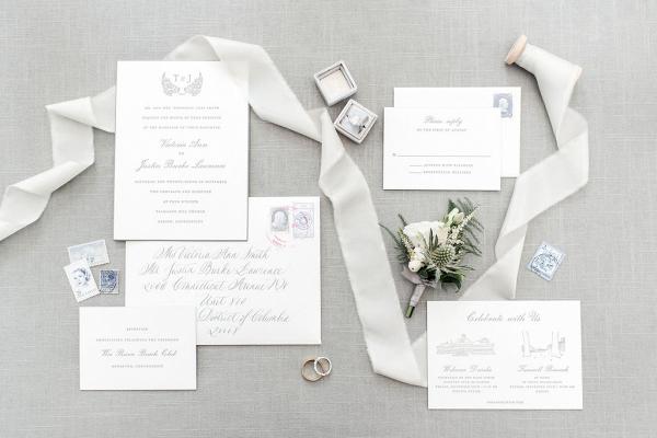 Let's Bee Together - elegant new england beach club wedding – tori & justin