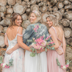 Let's Bee Together - pretty, fun boho inspired festival wedding shoot