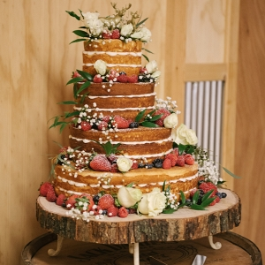 naked-wedding-cake-with-fruit