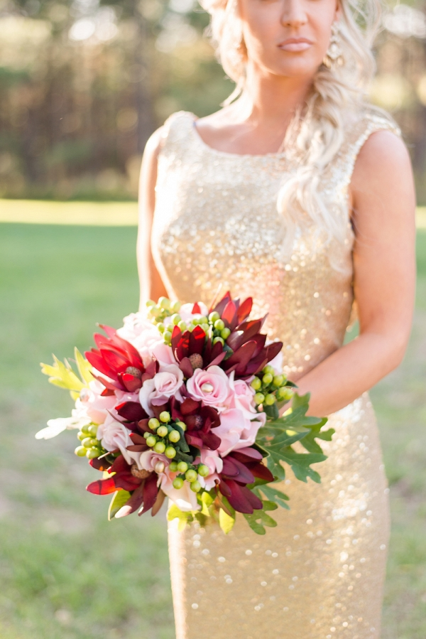 red-and-pink-bridesmaid-bouquet