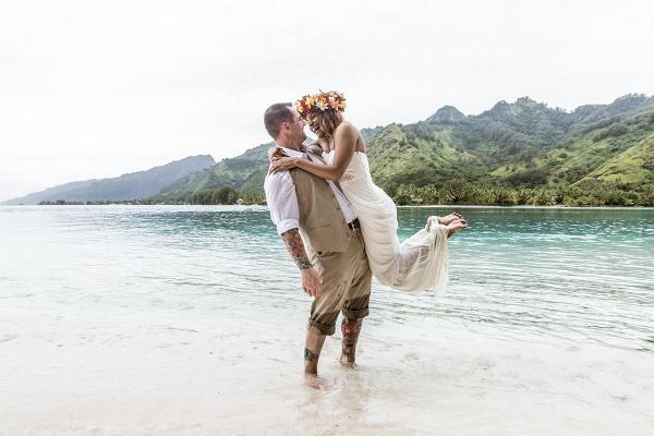 Polynesian destination wedding