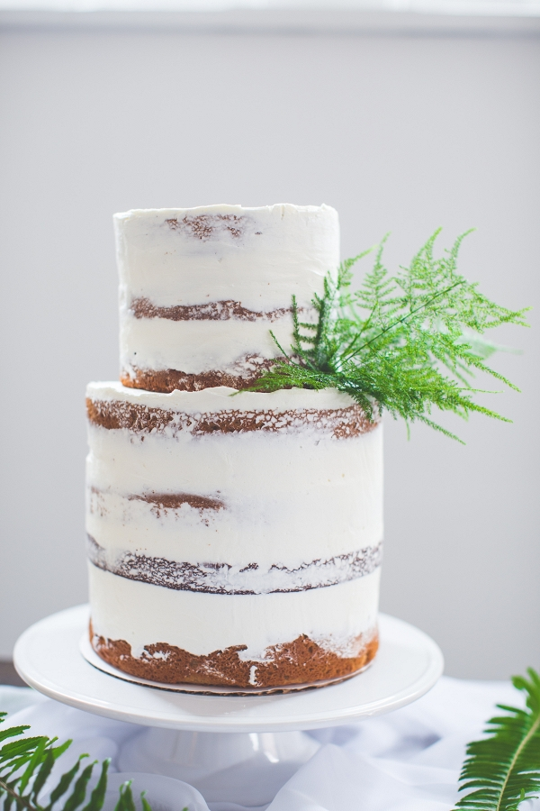 Naked Dusted Cake