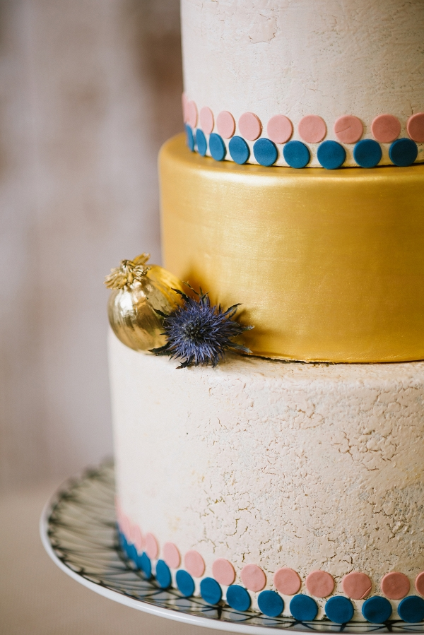 Modern Wedding Cake with Crackle Icing