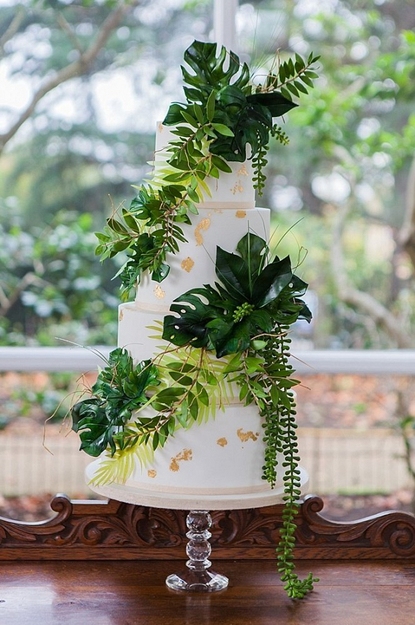 Tropical greenery cake