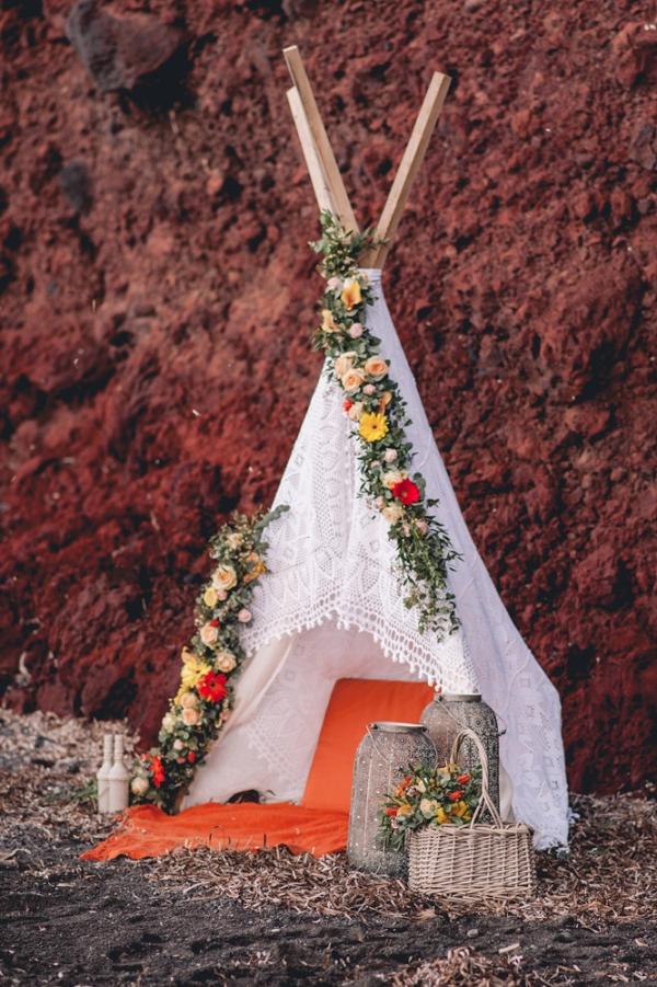 bohemian-teepee-wedding-decor