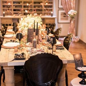 Metallic and black tablescape