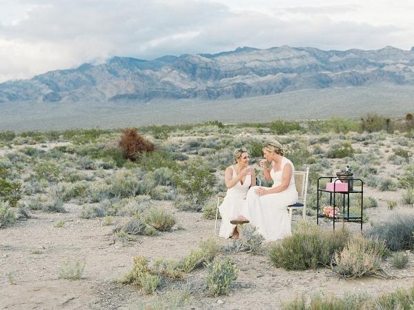 flora-pop-vegas-elopement