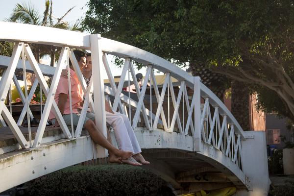 Grooms on bridge