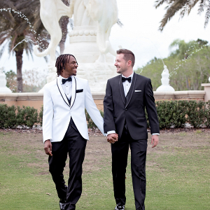 Grooms by fountain