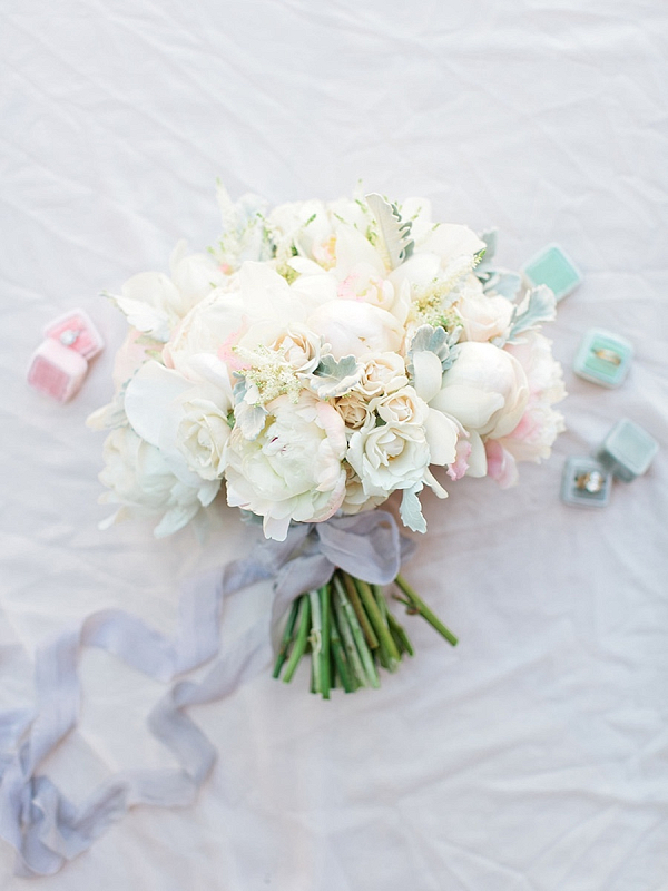 Cream and blush bouquet