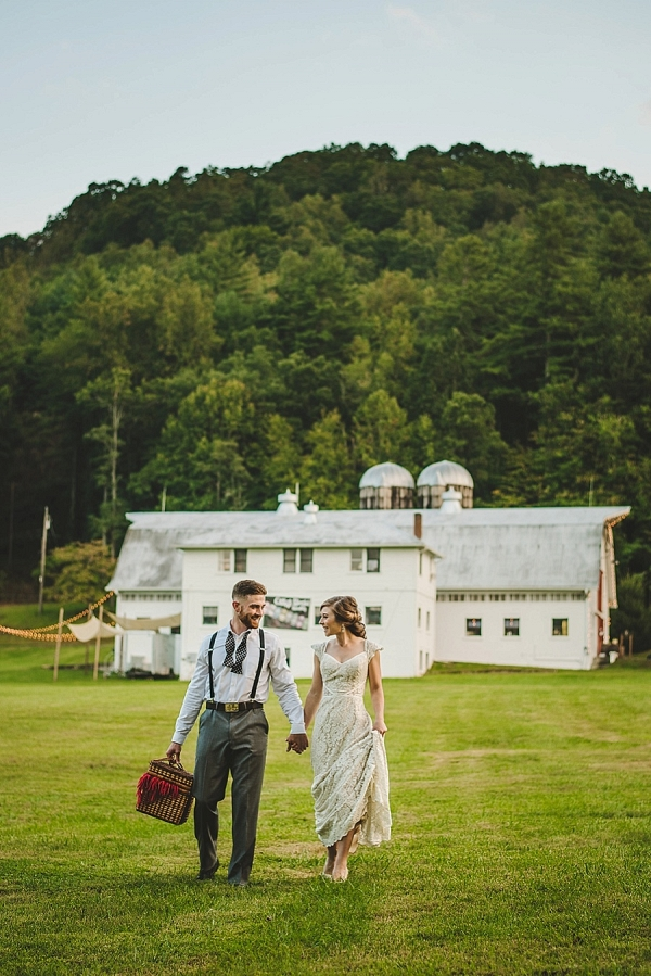 Romantic newlywed picnic on Mountainside Bride