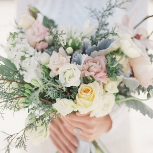 Soft and romantic bridal bouquet | Christie Graham Photography